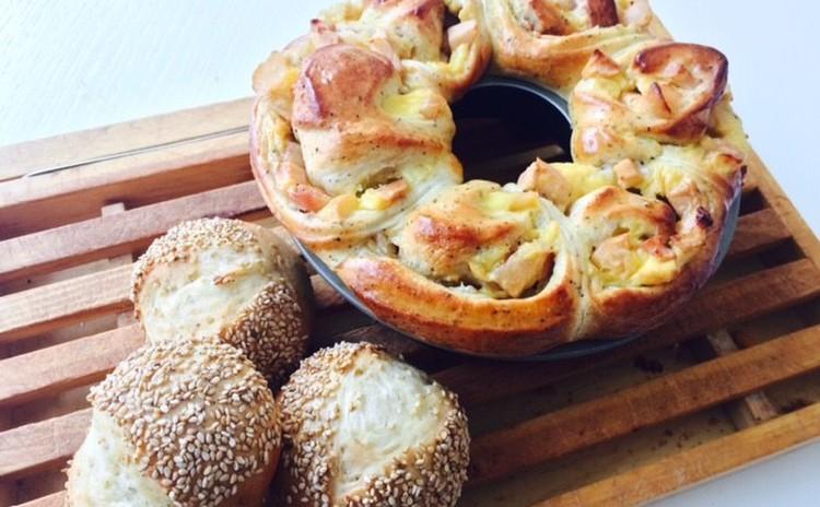 サツマイモとりんごのリングパン&ごまた~っぷりパン♪