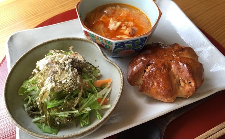 お店とのコラボ☆ミニランチ付き(サラダ、スープ、パンなど)