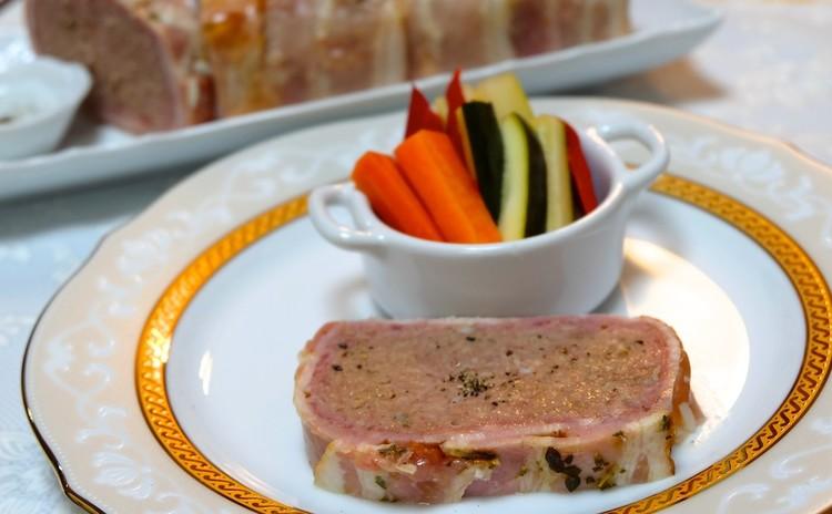 挽き肉とレバー等を捏ねてあの高級フレンチ店の味!パテ・ド・カンパーニュ