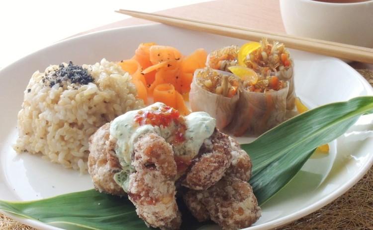 ヘルシー料理の基礎が学べる♪カロリー1/3の大豆ミート唐揚げと副菜2種