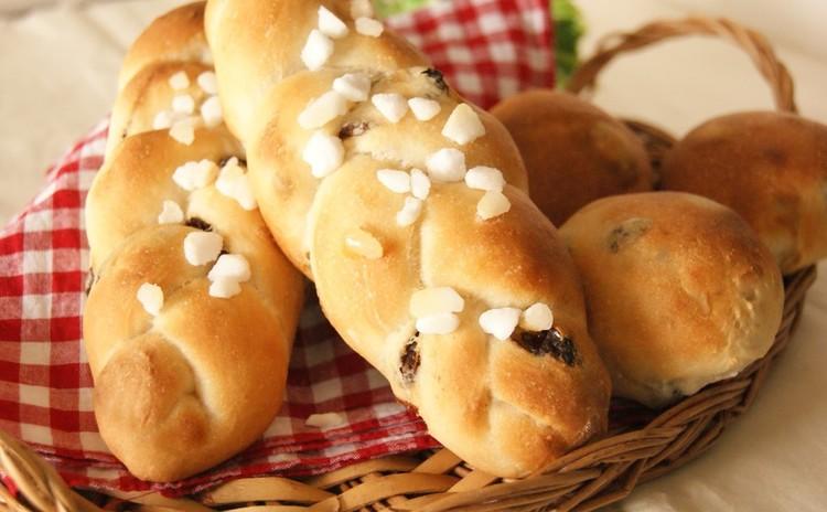 素朴で味わい深いレーズンのスコーン&2種類の成形で作るレーズンパン