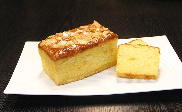 ふわふわ食感♪オレンジ香るアーモンドパウンドケーキ