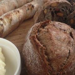 自家製酵母ハードパン!ショコラとナッツのクッペ&甘納豆のスティック