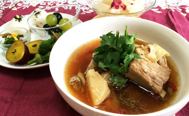 自分の体質に合わせた肉骨茶(漢方スープ)で身体の内からぷるんと潤そう!