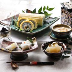 今からコツコツ準備万端!笑顔で囲むお正月料理の一品に。伊達巻寿司と黒豆