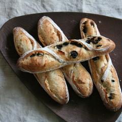自家製酵母パン!憧れのバケット二種、プレーン&オリーブ