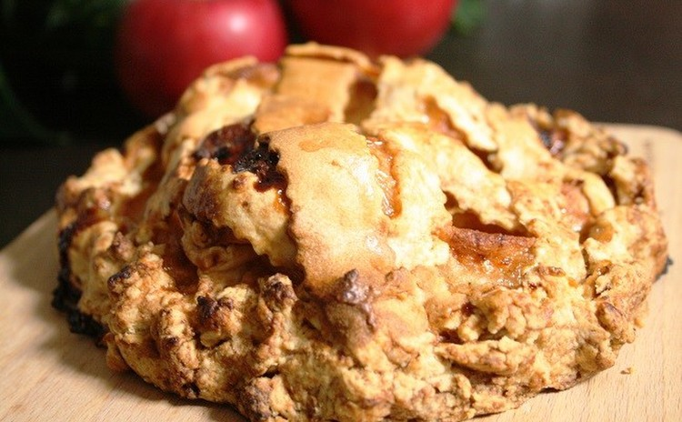 りんごがぎっしり詰まった甘酸っぱいアップルパイ(18cm丸1台)