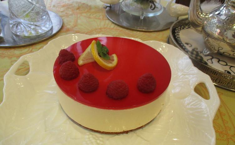 糖質制限でレモンと木苺の素敵なアントルメ作り!