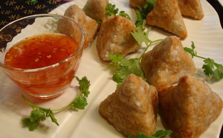 グリーンカレーリゾット、カリー芋揚げ等、タイ・ヒュージョン料理を♪