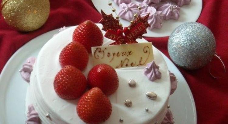 サクサクイチゴのメレンゲも作ります!