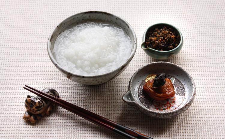 お鍋で炊く、基本の白粥(七分がゆ)