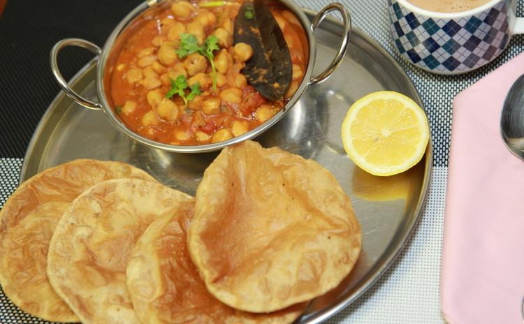 ひよこ豆とインドの揚げパン