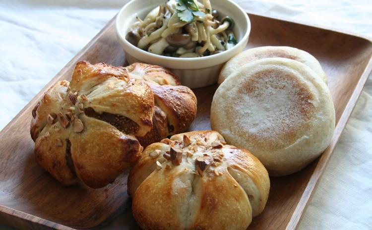 自家製酵母パン!プレーンマフィン&いちじくのお花パン、きのこのマリネ