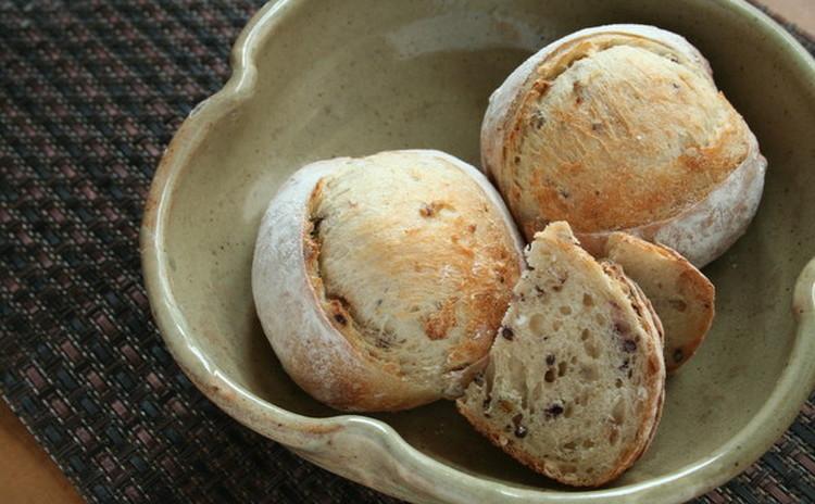 自家製酵母ハードパン!ベーコンエピ&雑穀クッペ、きのこたちの酵母マリネ