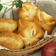 簡単手捏ねパン 紅茶&アップルチーズ 8個持ち帰り♪