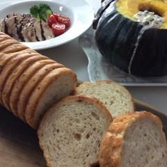 ♪本当に美味しい白神こだま酵母はちみつ松の実パンととにかく手軽な料理♪
