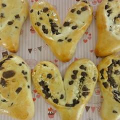 バレンタインに♡白神こだま酵母でハートチョコパン&ダブルチョコブレッド