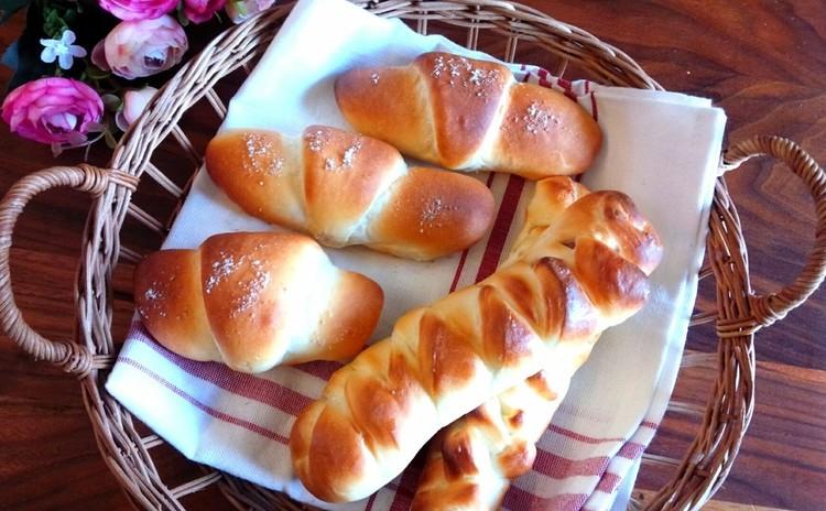 人気沸騰中の塩パン&ソーセージツイストパン♡果実たっぷり白桃ジェラート