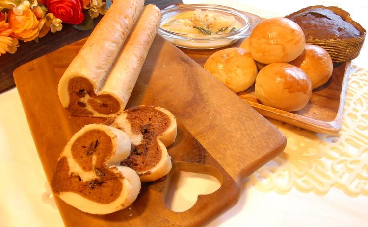 バレンタインのテンションupチョコ♡ロール&もっちり生クリームパン