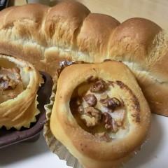 ホシノ天然酵母DE生クリームブレッド&りんごとクリームチーズの★型パン