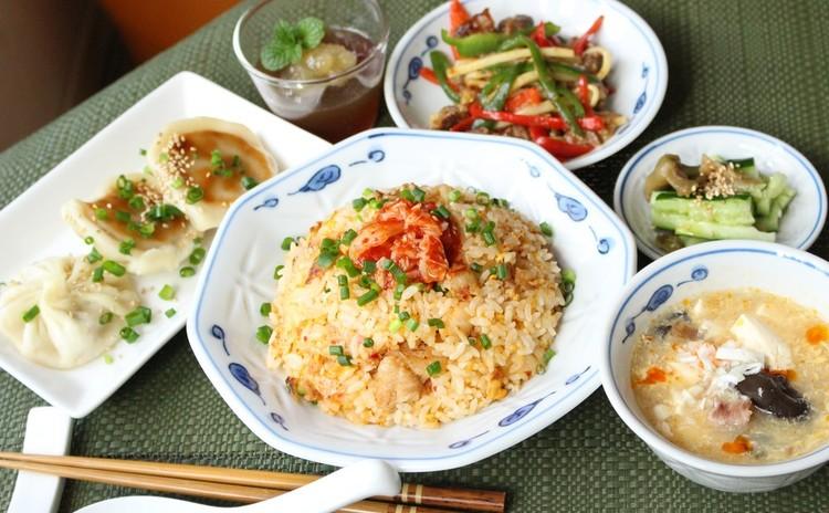 中華の献立を学ぼう④キムチチャーハン焼き小籠包酸辣湯チンジャオロース