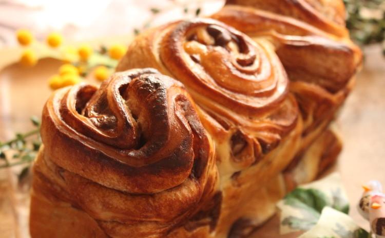 手作りチョコシートで折込みチョコブレッドパン