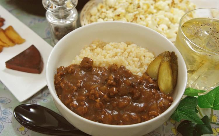 自宅で出来る『燻製キーマ玄米カレー』と燻製おつまみ&スパイスハイボール