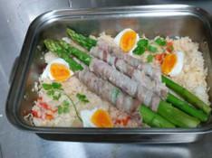 料理レッスン写真 - 旬の野菜を美味しく食べよう。、アスパラご飯と春野菜のぎゅうぎゅう焼き