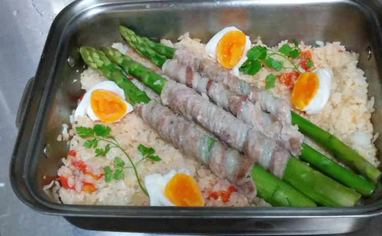 旬の野菜を美味しく食べよう。、アスパラご飯と春野菜のぎゅうぎゅう焼き