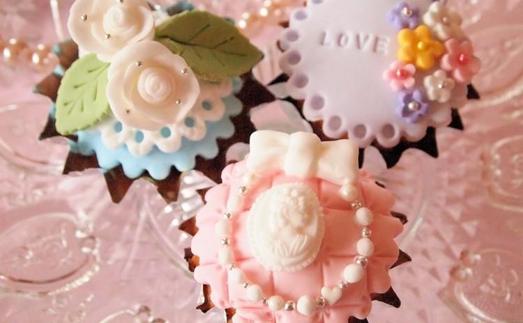 初心者大歓迎♡マシュマロフォンダントで生地から作るデコカップケーキ♡