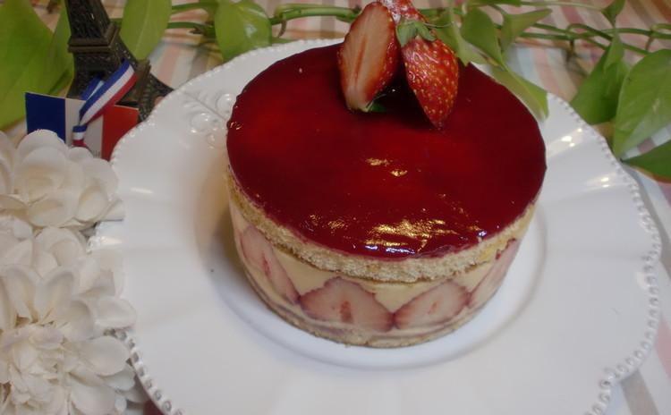 リクエスト日程!美味しい苺とクレーム・ムースリーヌでまあるいフレジェ❤
