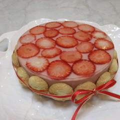糖質制限で苺のシャルロット!苺満載の可愛いケーキです!