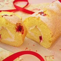 フランボワーズ米粉ロールケーキ