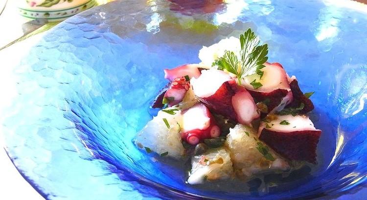 タコとグレープフルーツの贅沢サラダ アンチョビ風味