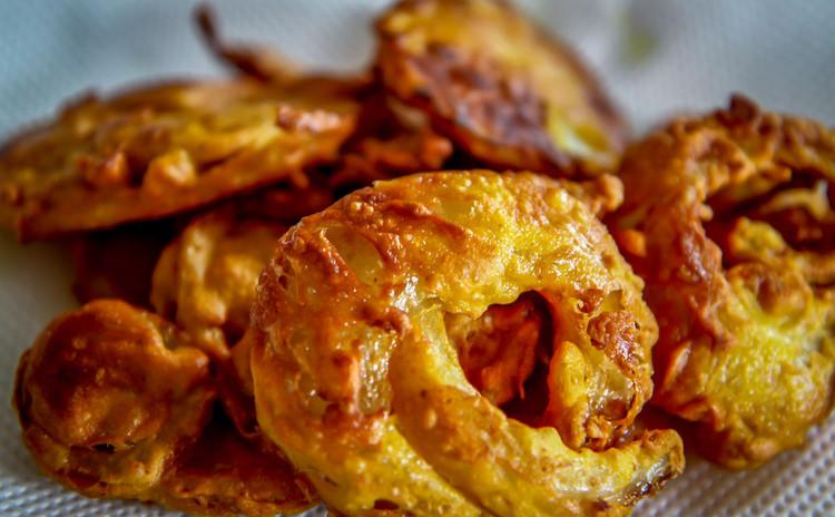 ジャガイモと玉ねぎのパコラ(インド風天婦羅)