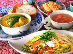 料理レッスン写真 - 野菜たっぷり!ヘルシーで美味しいベトナム料理♥チキンカレーと鶏サラダ