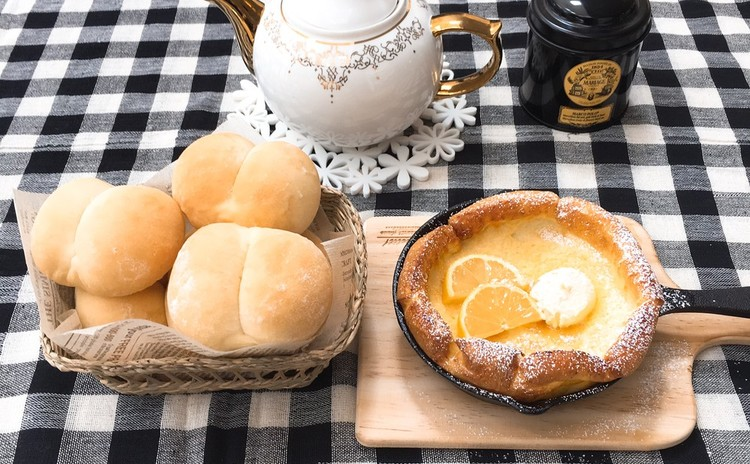 ふわふわ白パンとダッチベイビー