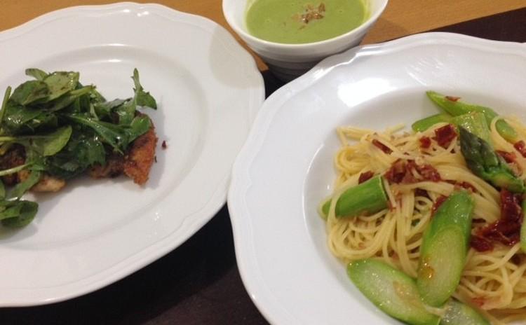 緑たっぷり春のイタリアン♪グリンピースのスープとアスパラガスのパスタ