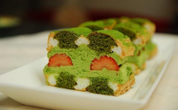 新緑の季節にぴったり!ふわふわ抹茶といちごのカルディナール