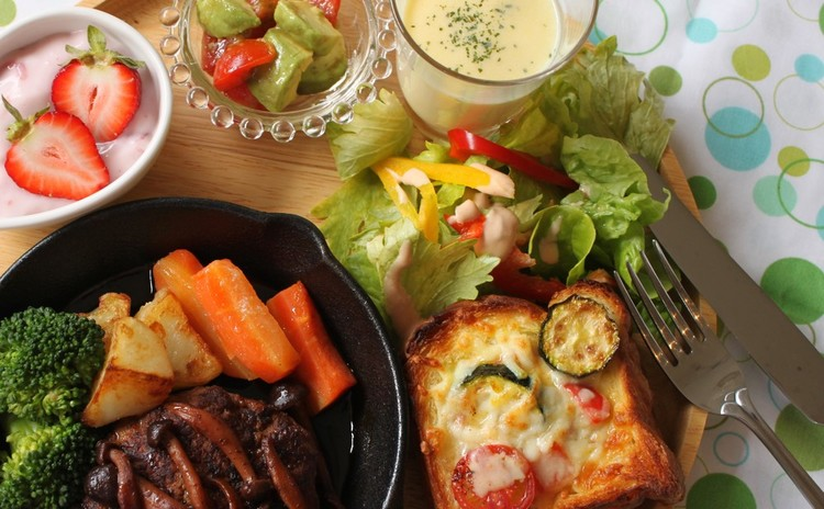 夏に向けての元気レシピ☆話題のスキレットで焼く「本格派!ハンバーグ」