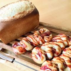 サンドイッチにぴったりなバタートップ食パン&ウインナーロール♪