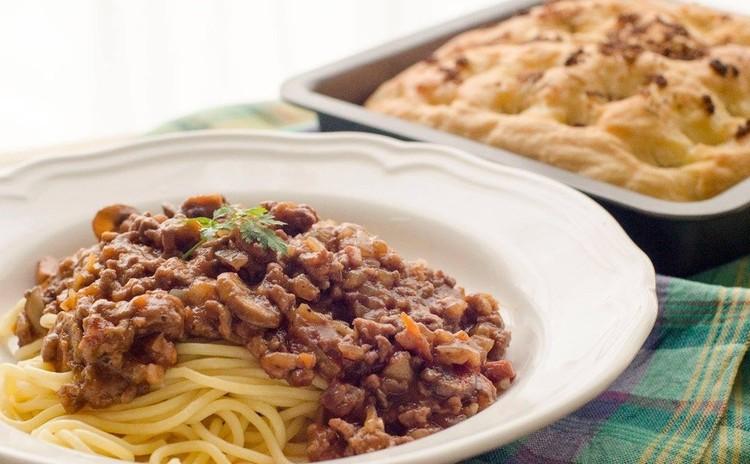 ミートソーススパゲッティとフォカッチャでカジュアルイタリアンランチを♡