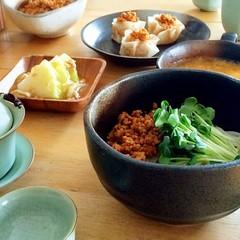 一回作った万能肉味噌を4種類の料理へ変身♪台湾混ぜそば&上海焼売‥など