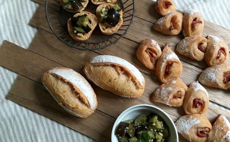 自家製酵母パン!トマト生地で二種のパン!&ナスのコロコロ酵母マリネ