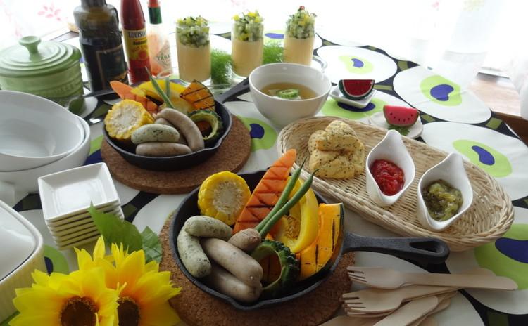 フレッシュハーブとスパイス香る夏の雑穀ソーセージ・ノマドスタイルで