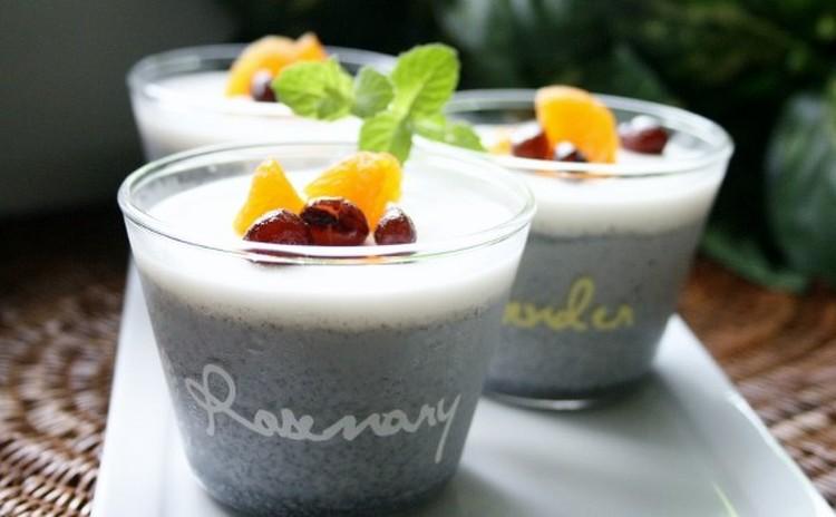 「なめらか黒ごまプリン&ミルクソース」のカップデザート(カップ5個)