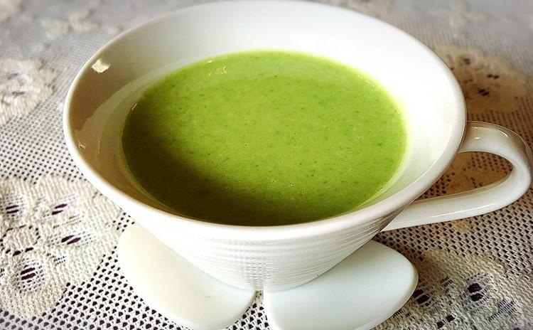 グリンピースの冷たいスープ