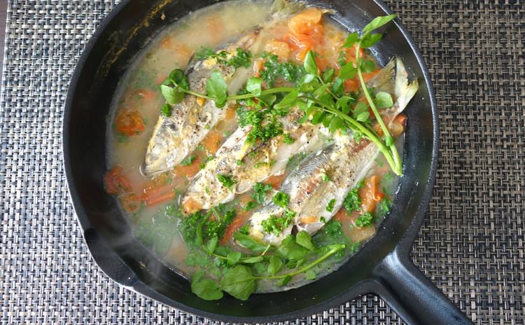 【鯵(あじ)のアクアパッツァ】イタリアの豪快魚料理