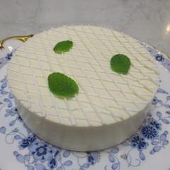 糖質制限でレアチーズケーキ作り!夏にぴったりの爽やかなケーキです!