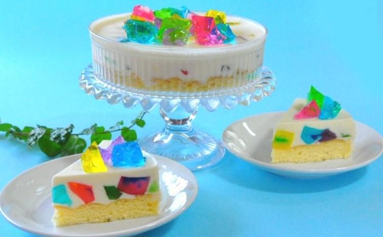 美しすぎる♡ トロピカルステンドグラスケーキ